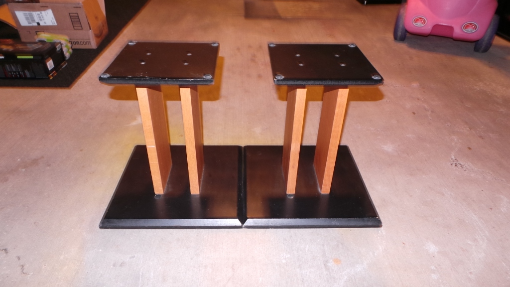 Sold Speaker Stands 50 Each Shipped Garage Sale The