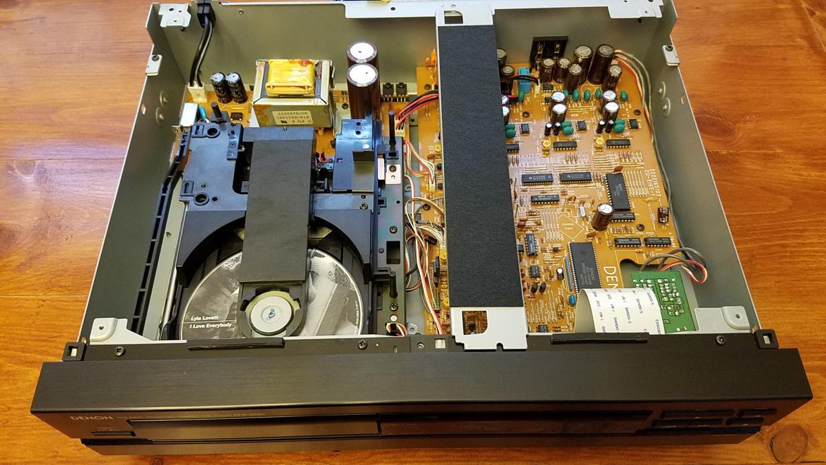 Sold Denon Dcd 2560 Single Disc Cd Player Garage Sale
