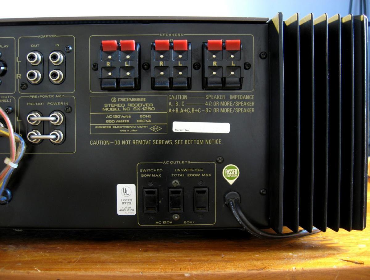 Speaker plugs for vintage pioneer receivers