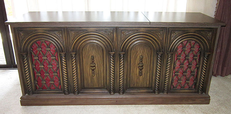 Repurpose an old vintage Stereo console - 2-Channel Home