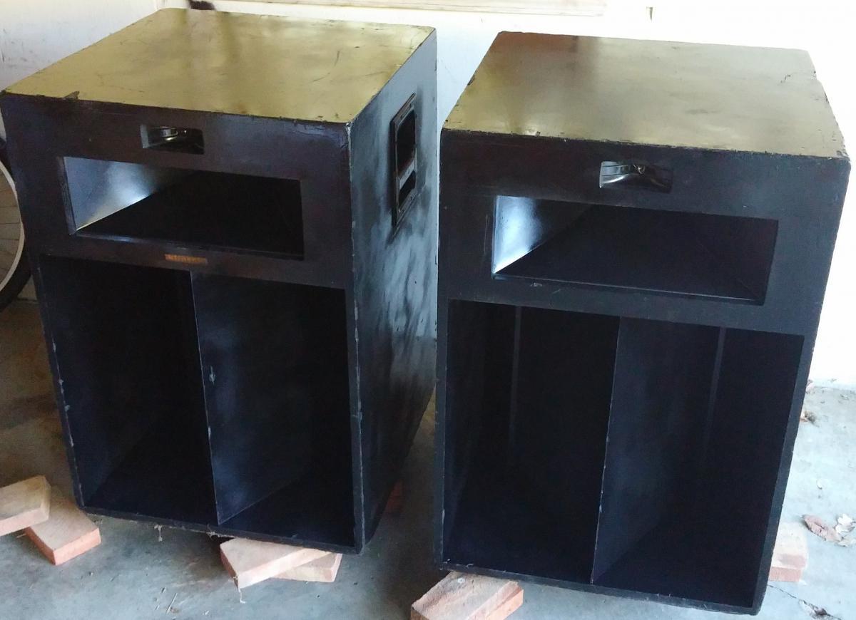 pair of 1977 black klipsch la scala speakers garage sale. Black Bedroom Furniture Sets. Home Design Ideas