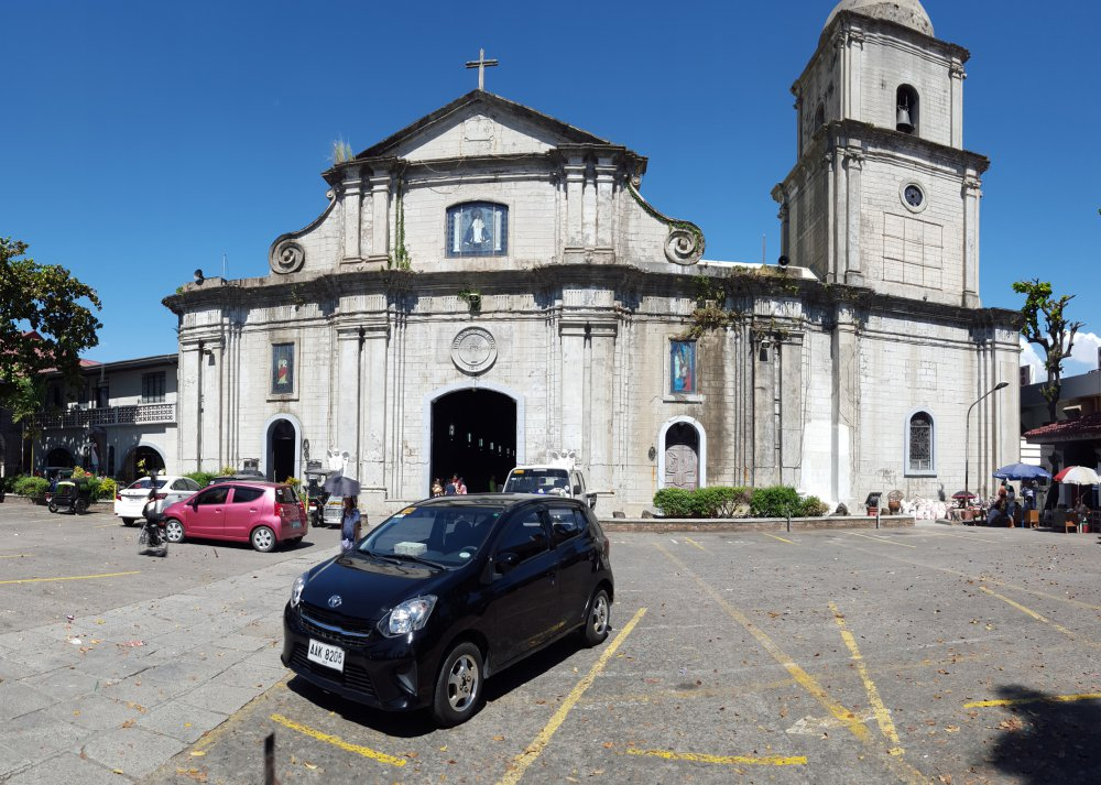Imus Cathedral_2_sm.jpg