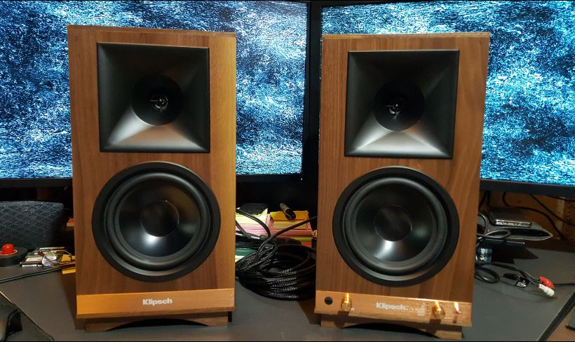 the sixes sound out of phase personal music systems. Black Bedroom Furniture Sets. Home Design Ideas