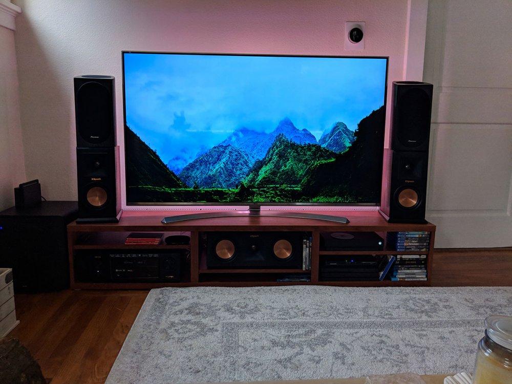 new_speakers.thumb.jpg.d0b7c1318c53afde7ff245ce4e06f50b.jpg