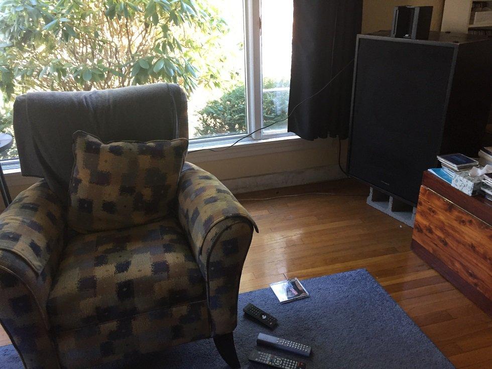 Single Seat Away from Window 3.jpg