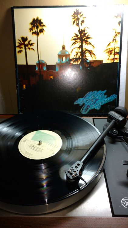 Eagles-Hotel California.jpg
