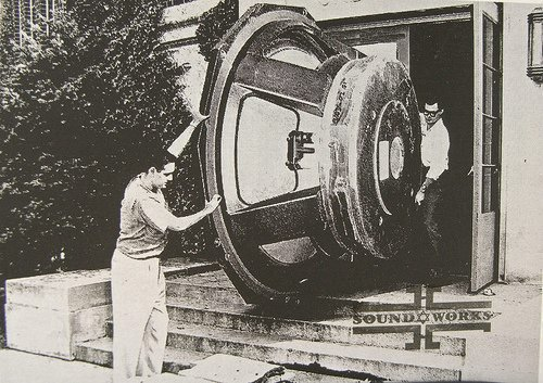 Giant_Speaker_Soundworks.jpg