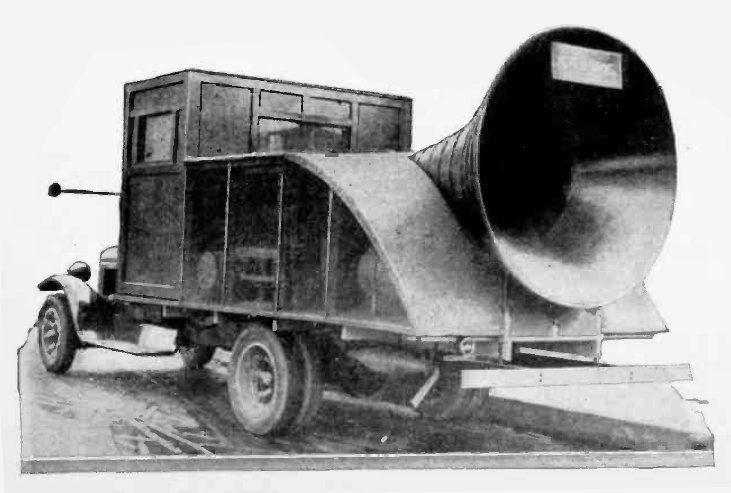 Horn_loudspeaker_truck_1929.jpg
