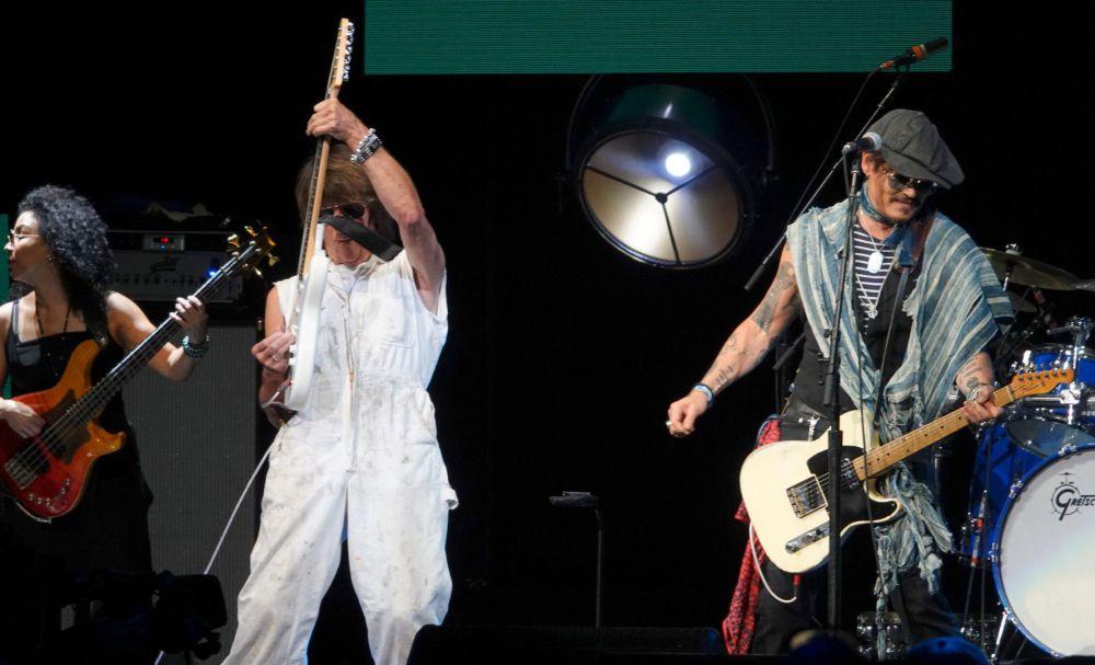 Beck and Depp (Large).jpg