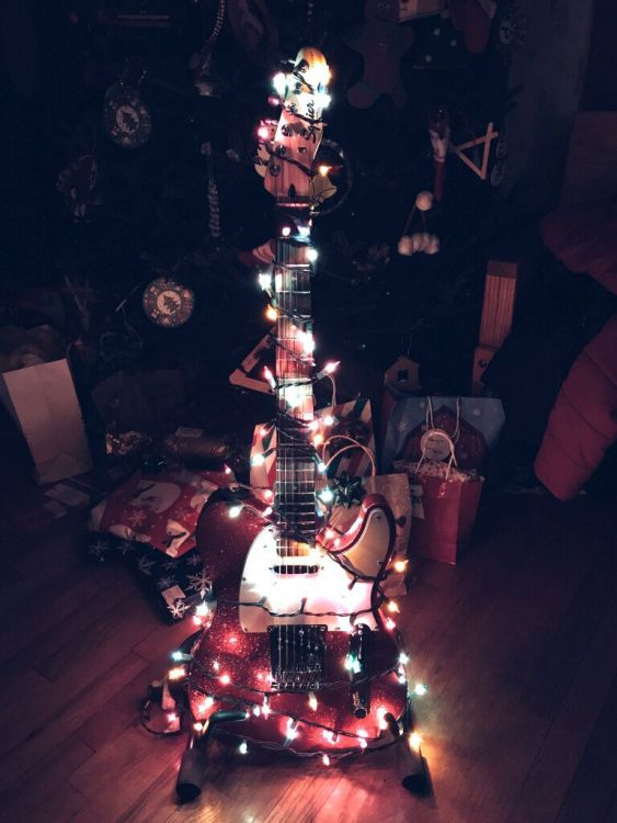 Tele_christmas2.jpg