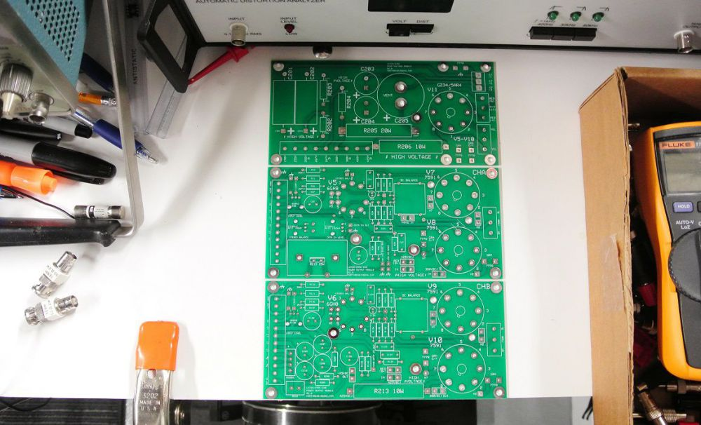 589947077_build2_boardset.thumb.jpg.958592412426bb87a30455f040a99568.jpg